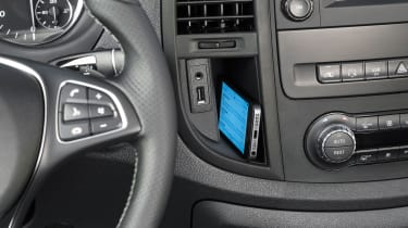 Mercedes Vito van 2015 -phone holder