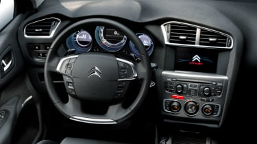 The 2015 bought the same touchscreen found in the Peugeot 308, but handily the C4 retains physical controls for the air-conditioning.