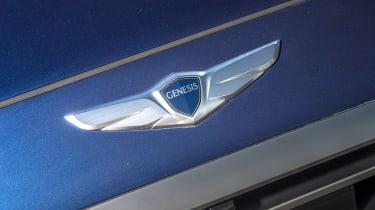 Hyundai Genesis UK 2015 badge