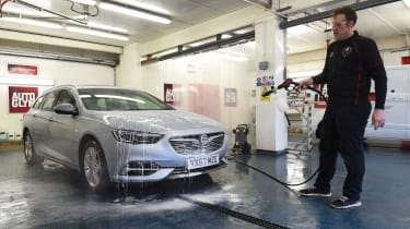 Vauxhall Insignia Sports Tourer - cleaning