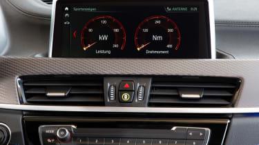 BMW X2 M35i - infotainment