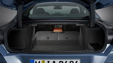 BMW 8 Series - boot