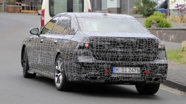 BMW 7 Series - side spy