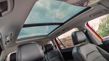 Volkswagen Tiguan Allspace - panoramic roof