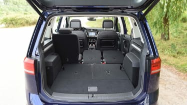 Volkswagen Touran - boot (3 seats)