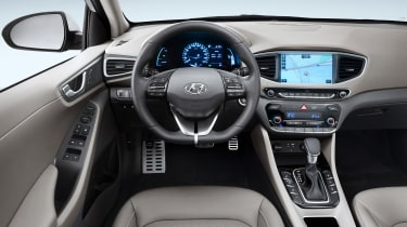 Hyundai Ioniq plug-in PHEV - interior