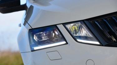 Skoda Octavia vRS - front light