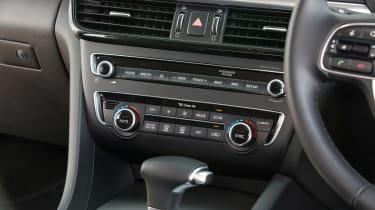 Kia Optima Sportswagon PHEV - centre console