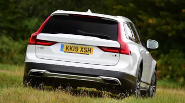 Volvo V90 Cross Country - rear off-road