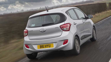 Hyundai i10 1.2 Premium rear action