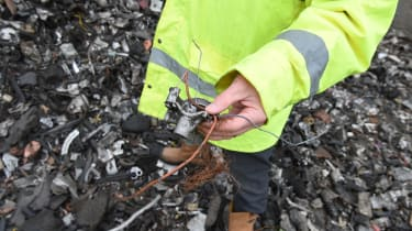 Car recycling - Step 5: heavy media