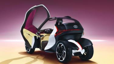 Toyota i-Tril Concept rear quarter