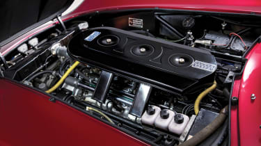 Ferrari 275 GTS/4 NART Spider - engine
