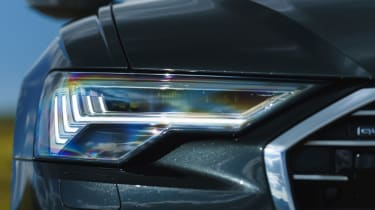 Audi A6 Avant - headlights