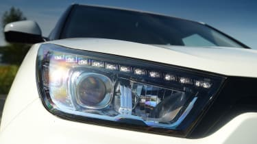 SsangYong Tivoli - front light