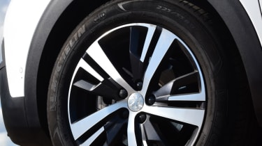 Peugeot 5008 - alloy wheel
