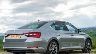 Skoda Superb 1.4 TSI 2015 rear