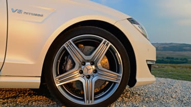 Mercedes CLS 63 AMG Shooting Brake wheel