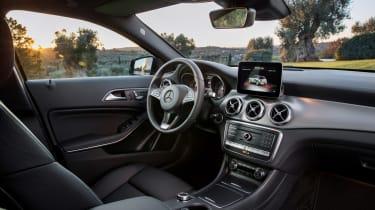 Mercedes GLA 2017 - interior 2
