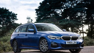 BMW 320d xDrive Touring - front static