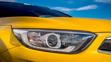 Kia Stonic UK review - headlight