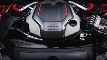 Audi RS 4 Avant - engine