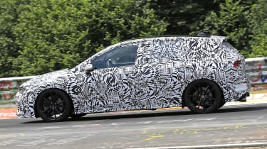 Volkswagen Golf GTI - spied side cornering