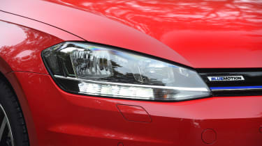 Volkswagen Golf - front light