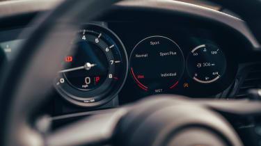 Porsche 911 Carrera S - instruments