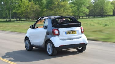 Convertible megatest - Smart ForTwo Cabrio - rear tracking