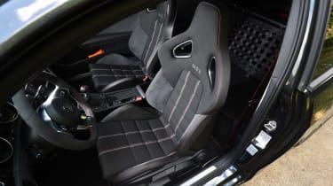 Volkswagen Golf GTI Clubsport S - front seats