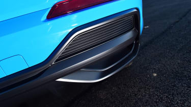 Audi Q3 - exhaust