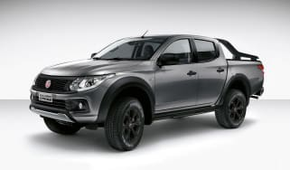 Fiat Fullback Cross front side