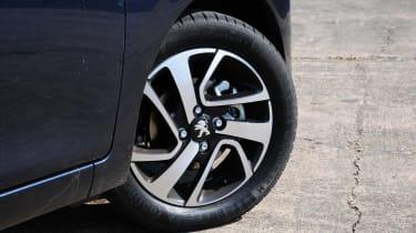 Peugeot 108 wheel