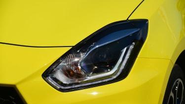 Suzuki Swift Sport - front light