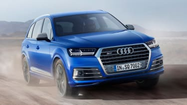 Audi SQ7 blue - front tracking off road