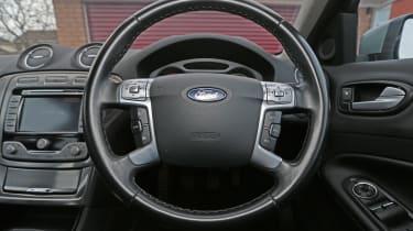 Used Ford Mondeo - steering wheel
