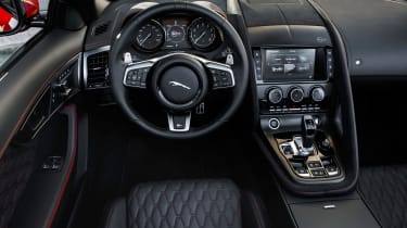 Jaguar F-Type SVR Convertible - dash