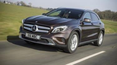 Mercedes GLA - front panning