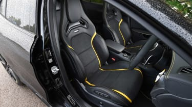 Mercedes-AMG GLA 45 Yellow Night Edition - front seats