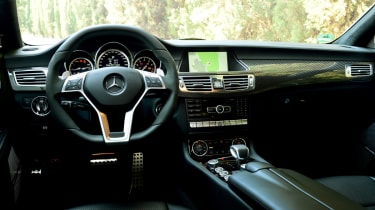 Mercedes CLS 63 AMG Shooting Brake interior