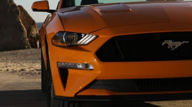 Ford Mustang - front detail