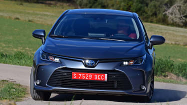 Toyota Corolla saloon  - front cornering