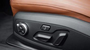 Audi A5 Cabriolet - seat controls
