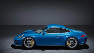Porsche 911 GT3 Touring Frankfurt side