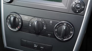Used Mercedes B-Class - centre console