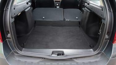 Triple test - Logan MCV Stepway - folded rear seats