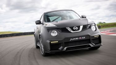 Nissan Juke-R 2.0 - front driving