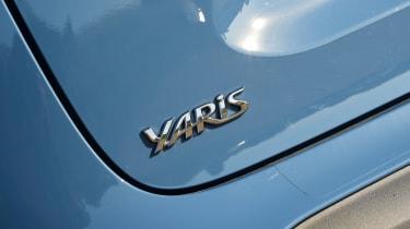 Toyota Yaris Cross - badge