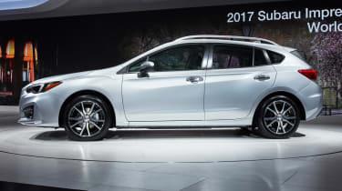 Subaru Impreza 2016 - show side
